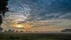 sunrise (Profiamateur) Tags: light