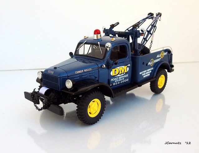 dodge 1946 diecast wrecker powerwagon 124scale danburymint