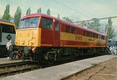 """EWS Class 86/2, 86261 """"The Rail Charter Partnership"""" (37190 """"Dalzell"""") Tags: international crewe cans revised openday ews class86 maroongold 86261 electricdepot class862 englishwelshscottishrailways therailcharterpartnership"""