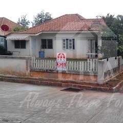 (K.เกรียงศักดิ์) ทรัพย์ERA.INET557852 http://www.era.co.th/property-view.html?q=557852 บ้านเดี่ยวชั้นเดียว 70 ตารางวา โครงการหมู่บ้านศิริสุข จังหวัดสุราษฎร์ธานี ถนนชนเกษม49 ทางไป วค สุราษฎร์ธานี 2ห้องนอน 1 ห้องน้ำ 1ห้องรับแขก 1ห้องครัว แอร์ 2ตัว อายุบ้านป