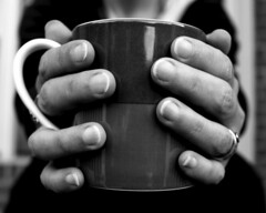 highcontrast8 (noabenven) Tags: bw coffee contrast hands mug cchshighcontrast