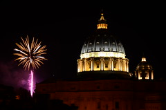 St. Peter's fireworks (robra shotography []O]) Tags: stpeters rome roma fireworks cupola dome michelangelo sanpietro fuochidartificio 1685mm d7000