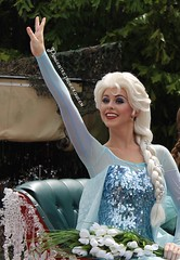Elsa (MediumHero6) Tags: world summer anna ice face fun for frozen eric post time florida character flag royal parks first disney parade trading hollywood sing characters forever welcome wdw waltdisneyworld studios walt performers wandering along elsa aria sauna harvester twirlers kristoff disneys harvesters oakens