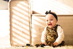 OF-Ensaio-LauraeFrederico8meses413 (Objetivo Fotografia) Tags: tiara vermelho amarelo infantil sofá estampa bebês oncinha tweens gêmeos suéter acompanhamento sofáamarelo felipemanfroi eduardostoll ensaioinfantil objetivofotografia lauraefrederico