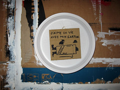 J'aime la vie avec mon carton. (tonitonim) Tags: art painting paint comic arte charlot carton clochard piatto faim vagabon