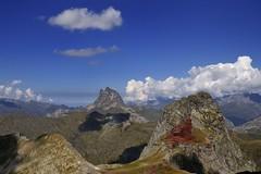 Anayet y Midi d'OssauMidi d'Ossau (enekotas) Tags: mountain landscape paisaje montaña anayet mididossau