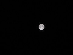 """Bright Full Moon (10x zoom) • <a style=""""font-size:0.8em;"""" href=""""http://www.flickr.com/photos/34843984@N07/15424657682/"""" target=""""_blank"""">View on Flickr</a>"""
