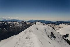 4027m (Tobiasvde) Tags: blue sky italy white snow mountains alps schweiz switzerland nikon europe italia suisse swiss alpen nikkor wallis vr valais 18105 zwitserland saasfee allalinhorn allalin 4000m saastal d7000