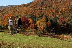 Un paysage inspirant (Marielle Frigault) Tags: voyage travel autumn trees people canada mountains fall nature colors les automne canon painting landscape artist seasons quebec outdoor couleurs peinture september arbres qubec paysage septembre paesaggio montagnes laurentides stoneham laurentian tewkesbury peintre 2014 autunnale mariellefrigault