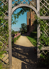 The gate is always open (Catface27) Tags: castle architecture canon framing warwickshire kenilworth infocus highquality