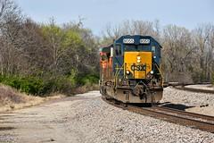 Csx 40-2 on the BNSF. (Machme92) Tags: bnsf bn csx csxt railroad railfanning railroads railfans rails rail row railroading railfan trains tracks sky nikon nikond7200 missouri emd