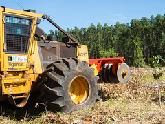 Trelleborg Forestry Skidder and Tigercat 635D 6 wheel Skidder  (6) (TrelleborgAgri) Tags: trelleborg tires forestry skidder tigercat 635d 6 wheel pneumatici forestali t418