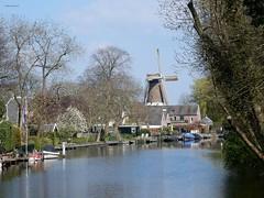 Loenen aan de Vecht (bcbvisser13) Tags: vecht rivier bootjes oever molen dehoop dorp loenen panorama gemstichtsevecht provutrecht nederland eu