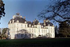 Château de Cheverny (Philippe_28) Tags: cheverny château castle 41 loiretcher france europe analog argentique 24x36