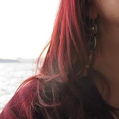 A chacun son chemin (nathaliedunaigre) Tags: autoportrait selfportrait hair redhair redhead ginger couleurs colors coloré colored boucledoreille details détails féminine femme woman femininity féminité rougebordeaux carré square