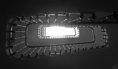 Stairway to heaven (Elías Gomis) Tags: stairway heaven escalera casa build house light dark bn bw monocromo eliasgomis ngc