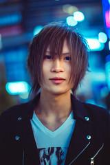 Portrait at Shinjuku (Luis Montemayor) Tags: japan japon shinjuku man hombre night noche tokyo bokeh