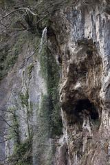Cara en la roca- Rock Face (Luis Alvarez Menéndez) Tags: somiedo asturias roca cascada llamera naturaleza cara