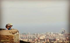 Vista de Barcelona . ( goita noia ) . (Alex Nebot) Tags: bunkers carmel horta rovira barcelona barcelone bcn barna catalunya cataluña catalonia ciutat ciudad city citta skyline vista mirador d7200 nikon nikonista tamrom 16300 mediterraneo mediterranean look turistic turistico people gente capital