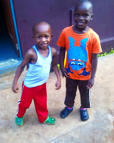 "Our youngest boys 💕#tuleeniorphans #loveourfamily #growingup • <a style=""font-size:0.8em;"" href=""http://www.flickr.com/photos/59879797@N06/33504222246/"" target=""_blank"">View on Flickr</a>"