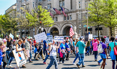 2017.04.15 #TaxMarch Washington, DC USA 02406 (tedeytan) Tags: pennsylvaniaavenue resistance taxmarch taxmarchdc taxmarcdc trumpchicken trumpinternationalhotel donaldtrump protest uscapitol washington dc unitedstates geo:city=washington camera:make=sony exif:make=sony exif:model=ilce6300 geo:state=dc geo:country=unitedstates camera:model=ilce6300 exif:isospeed=100 exif:aperture=ƒ80 exif:lens=e18200mmf3563 exif:focallength=276mm