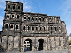 Porta Nigra (janvomtennis) Tags: trier deutschland germ germany porta portanigra römer romans building weltkulturerbe unesco worldheritage panasonic lumix lumixg81