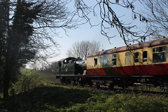 5637 heads to Mendip Vale (g4vvz) Tags: gwr 5600 5637 east somerset railway great western british railways uk steam shepton mallet mendip vale signal distant afternoon sun blood custard mark 1