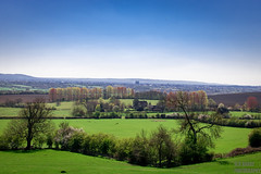Looking out to Aylesbury (SLR Hardy Photography) Tags: field canon hills green spring astonabots aylesbury buildings blue sky sun