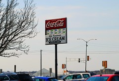 Nite Owl Drive In, Milwaukee Wisconsin (Cragin Spring) Tags: niteowldrivein niteowl drivein restaurant icecream retro coke cocacola sign midwest milwaukee milwaukeewi milwaukeewisconsin wisconsin wi city urban