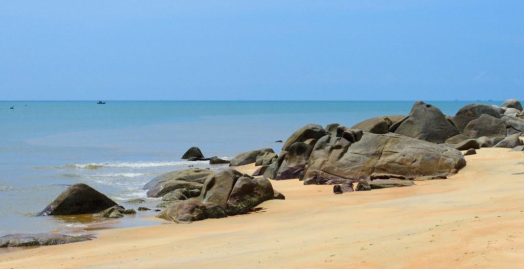 Long Hai Beach, Vung Tau, Vietnam by khoibinh, on Flickr
