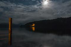 Bei Nacht am See