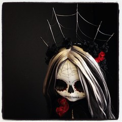 Trece (Kittytoes) Tags: show halloween square skull group lofi sugar squareformat diadelosmuertos blythe calavera pureneemo melancholykitties iphoneography instagramapp uploaded:by=instagram augusteclowngallery