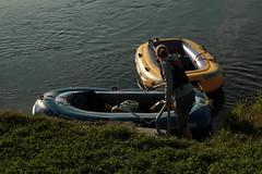 Schlauchboot - Gummiboot unterwegs auf dem Linthkanal der Linth zwischen W.alensee und Z.ürichsee in der Schweiz (chrchr_75) Tags: chriguhurnibluemailch christoph hurni schweiz suisse switzerland svizzera suissa swiss chrchr chrchr75 chrigu chriguhurni 1409 september 2014 hurni140928 linth linthkanal kanal fluss river albumlinth albumlinthkanal gummiboot gummiboote schlauchboot schlauchboote boot jolle dinghy boat jolla canot ディンギー sloep bote albumschlauchbootegummibooteunterwegsinderschweiz september2014 albumzzzz140928schlauchboottournäfelsschmerikon