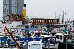 _DSC6803-2 (durr-architect) Tags: people haven art water festival boats lemon harbour ships acrobatics almere