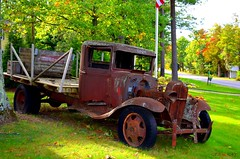 Good Harbor, Michigan State, USA (Gemstones Simphony) Tags: usa leland vintagecar greatlakes nostalgia usatoday michiganstate myvacation usahistory puremichigan mynorth gemstonessimphony lelandfarms gesray