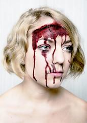 La fuite des cerveaux (Louise Rossier) Tags: portrait brain humour sang blanc triptyque drle cerveau cervelle fuitedescerveaux