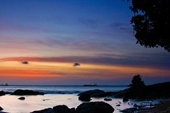 Sunset (Yudho Wiratomo) Tags: sunset beach speed slow pantai matahari balikpapan tenggelam