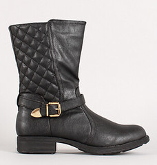"quilted mid calf boot blk • <a style=""font-size:0.8em;"" href=""http://www.flickr.com/photos/64360322@N06/15323356608/"" target=""_blank"">View on Flickr</a>"