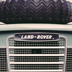 Land Rover (Philipp Janssen) Tags: car sign germany square deutschland automobile europa europe offroad hamburg tire rover hood orte landrover speicherstadt geographic locations hafencity reifen colorimage colourimage geografisch