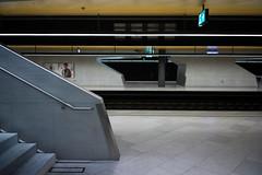 room of silence . part III (Toni_V) Tags: station architecture underground subway concrete schweiz switzerland europe track suisse 28mm zurich bahnhof rangefinder sbb treppe hauptbahnhof dml zürich svizzera mainstation ffs m9 2014 gleis sichtbeton cff svizra elmaritm messsucher ©toniv leicam9 140927 durchmesserlinie bahnhoflöwenstrasse goldenedecke l1018833