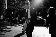 Monsieur (jon.depped) Tags: bw boston glasses streetphotography lensflare fujifilm breaktime x100