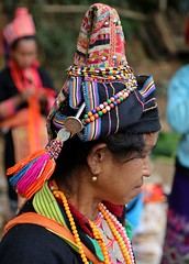 Phona (jumbokedama) Tags: phongsali phongsaly ponsaly phongsalylaos trekkingphongsaly remotelaos ethnchilltribes hilltribes colorfulhilltribes akha akhahilltribes hilltribejewelry hilltribeheadgear trekkinglaos laostrekking laosethnicpeople villagesinlaos laovillages laosculture ehtnicculturelaos amazing trekking