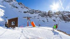Arrival 2500m (Guibs photos) Tags: eos7d canonefs1022mmf3545usm lamongie barèges bagnèresdebigorre tourmalet pyrénées hautespyrénées languedocroussillonmidipyrénées occitanie montagne mountain ski neige snow vacances holidays