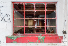 Red or Green (Ridgecrest Photo) Tags: abandonedbuildings newmexico losojos unitedstates us