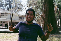 Friends (AndreiSaade) Tags: minolta himatic7s minoltahimatic7s himatic kodak proimage 100 streetphotography rangefinder 35mm 35mmfilm keepfilmalive istillshootfilm méxico xalapa film