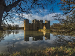 Bodiam Castle (lloydich) Tags: sussex castle bodiam reflection tree framed
