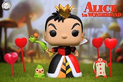 Welcome to Queen of Hearts Royal Croquet Tournament..... ❤️❤️❤️ (PrinceMatiyo) Tags: disney popvinyl funko toyphotography royalcroquet aliceinwonderland hottopicexclusive croquet queenofhearts