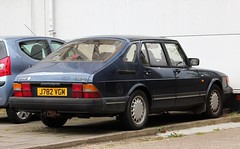 J782 VGM (Nivek.Old.Gold) Tags: 1992 saab 900 xs 16 valve auto 5door 1985cc