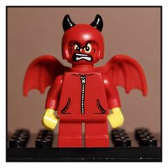 Little Devil (MuTant 99) Tags: home toy lego miniature devil canonsl1 velvet56