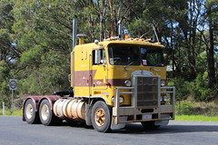 Haulin' the Hume. (Free Rail Photography.) Tags: kenworth cabover vintage truck prime mover convoy hume highway